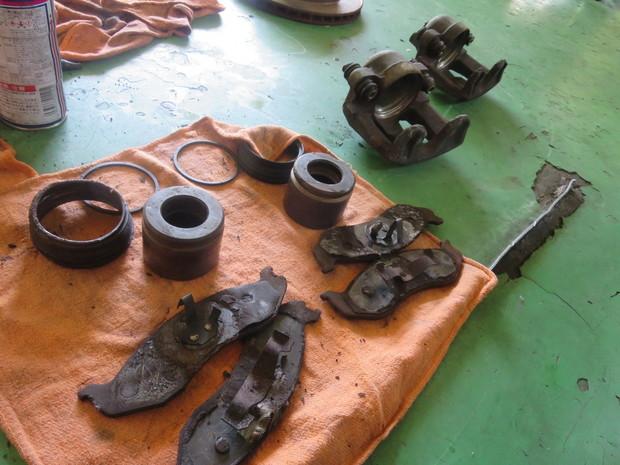 ブレーキ修理(ラングラー) (14).JPG