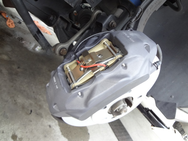 ブレーキ修理_トゥアレグ(GH-7LBMVS)_10.JPG
