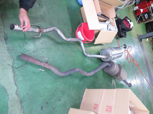 排ガス装置_ハイエース(KG-LH178V)_5.JPG