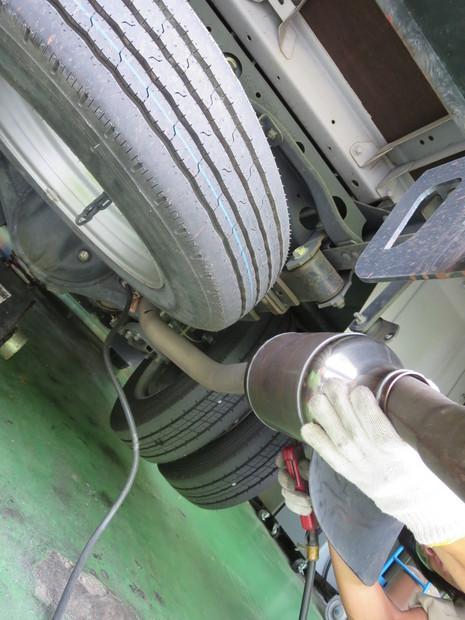 排気ガス低減装置_クイックデリバリー.JPG