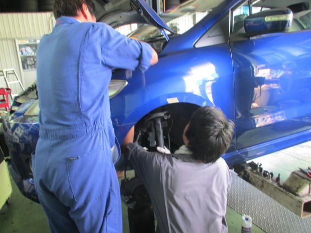 CREWプレマシー車高調整 (3).JPG