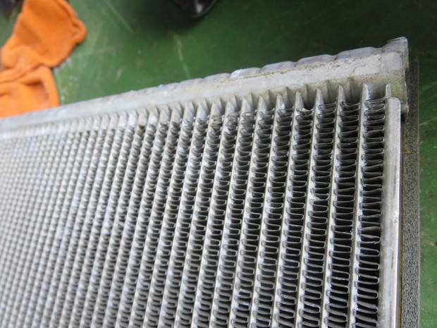 エアコンから出る嫌な臭い修理(BMW3シリーズ・ABA-WA20) (12).JPG