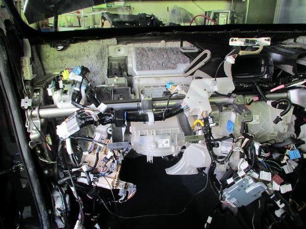 エアコンユニット交換_ハリアー(DAA-AVU65W)_4.JPG