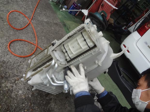 エアコン修理_フィルダー(DBA-NZE121G)_4.JPG