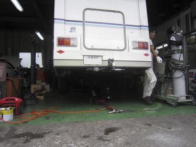 カムロードキャンピング(排気ガス装置) 001.jpg