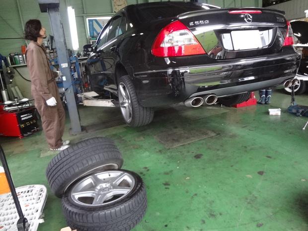 タイヤ履き替え_ベンツ(CBA-211072).JPG