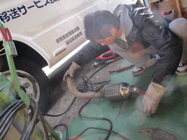 八都県市乗り入れ装置(排気ガス装置)エルフ  (8).JPG
