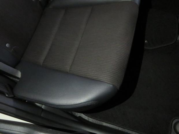 車内丸洗いクリーニング(おう吐)・フィット(GP1) (5).JPG