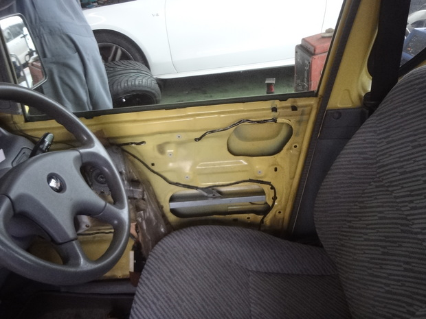 運転席ドアロック修理_ミニカトッポ(H31A)_2.JPG